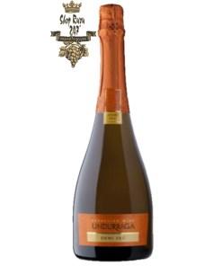 Rượu vang Sparkling Wine Undur Demi Sec là một chai rượu vang nổ của Chi lê. Chai rượu vang này có thân thể độc đáo, một chai rượu vang nổ mẫu mã đẹp