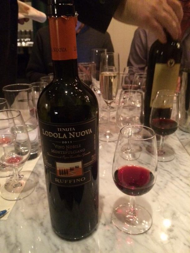 Rượu vang Ruffino Lodola Nuava