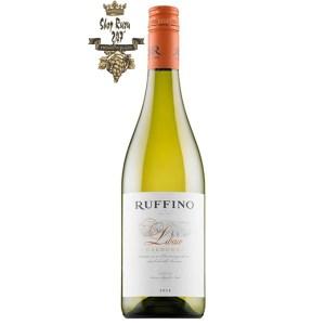 Ruffino Libaio Chardonnay Màu sắc: Vàng rơm nhạt Hương thơm: Hương thơm từ hoa trắng một cách tinh tế của cây sơn trà, trái táo.
