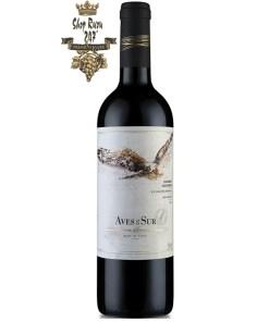 Rượu Vang Chile Aves Del Sur Gran Reserva Cabernet Sauvignon có mầu đỏ anh đào ánh xanh. Hương thơm của nho đen