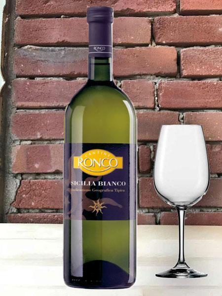 Rượu vang Ý Ronco Sicilia IGT 1L white là một trong những sản phẩm của nhà sản xuất Gruppo Cevico Soc, rượu có màu sắc vàng chanh