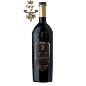 Rượu Vang Đỏ Montere Corvina Della Provincia di Verona có mầu đỏ tươi tinh tế. Hương thơm của anh đào chín đỏ cùng gợi ý của dâu tây cùng một chút hương thơm của cacao.