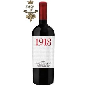 Vang Chile 1918Icon Cabernet Sauvignon Casa Verdi có mầu đỏ ruby đậm đà. Đây là một trong những dòng rượu vang cao cấp