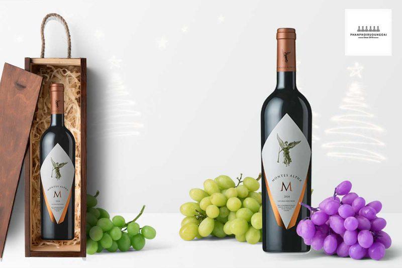 Rượu Vang Chile Đỏ Montes Alpha M có mầu đỏ hồng ngọc. Hương thơm nổi bật và phức tạp của quả chín đỏ và đen