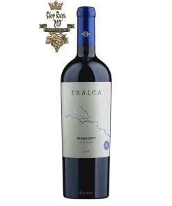 Rượu Vang Chile Đỏ Tralca 2011 Bisquertt có mầu đỏ ruby đậm. Hương thơm phức tạp với trái cây, hương hoa