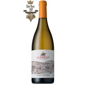 Vang Nam Phi Glenelly Estate Reserve Chardonnay có màu vàng xanh sắc sáng nổi bật. Hương thơm phức hợp của trái mộc qua