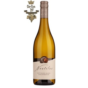 Vang Trắng New Zealand Nautilus Sauvignon Blanc bung tỏa hương thơm đầy mê đắm của các loại hoa trắng, vani, hương thơm mãnh liệt