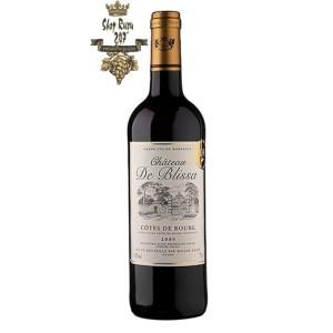 Rượu Vang Đỏ Pháp Chateau De Blissa có màu đỏ đậm sâu. Hương vị của trái cây đỏ và trái cây chín mọng. Cấu trúc hài hòa