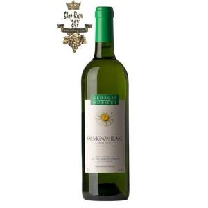 Rượu vang Trắng Georges Duboeuf Pays d'Oc IGP Sauvignon Blanc White gây được sự nổi bật với làn rượu màu vàng rơm tươi sáng. Đồng thời, chúng thu hút mọi giác quan