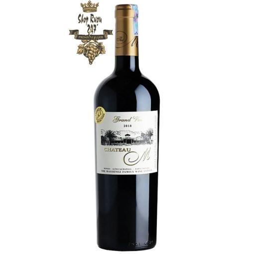 Với vẻ ngoài thanh lịch giống như nhãn vàng Rượu vang đỏ này là hoàn hảo để tặng như một món quà cho một người đặc biệt