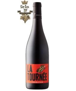 La Tournee Rouge Ferraton Pere & Fils có mầu đỏ đậm đặc. Hương thơm mạnh mẽ và phức tạp của các loại gia vị và quả mọng đỏ