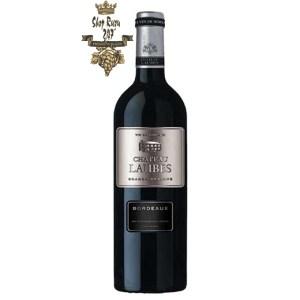 Rượu Vang Đỏ Chateau Laubes Bordeaux có mầu đỏ đậm , ánh tím . Hương thơm của hoa quả chính vùng nhiệt đới táo, lê