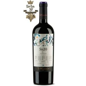Chile Top Winemaker F 5×20 Cabernet Sauvignon Syrah được pha trộn từ 20% thành phẩm rượu của 5 nữ Winemakers hàng đầu danh tiếng của Chile.