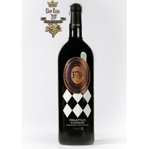 Rượu Vang Ý Đỏ F79 Primitivo di Manduria được làm ra để vinh danh người con gái Francesca Tinazzi của Andrea Tinazzi. F79 là viết tắt của năm sinh và chữ cái đầu tiên trong tên của bà.