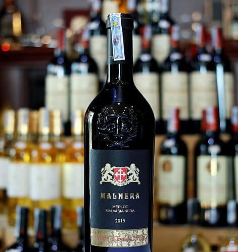 Hình ảnh rượu vang màu đỏ ngọc lựu Malnera Merlot Malvasia Nera (New Label) tại shopruou247.com