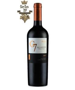 Rượu Vang Đỏ G7 Reserva Merlot có mầu đỏ đậm. Hương thơm của các loại trái cây chín đỏ như mận chín, nho đen, táo đen