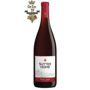 Sutter Home Pinot Noir có mầu đỏ đậm đà. Hương vị của quả mọng chín cùng hương thơm phong phú và tươi mát của trái cây