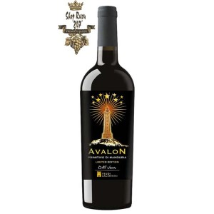 Rượu Vang Đỏ Avalon Primitivo Di Manduria có mầu đỏ đậm mãnh liệt. Hương thơm của mận, anh đào chín và các loại gia vị