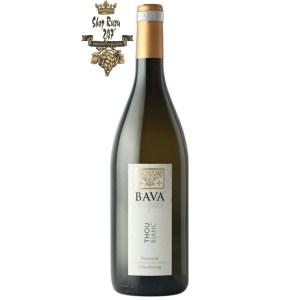 """Bava Thou Bianc Piemonte Chardonnay DOC cho thấy mùi hương""""muscatés"""" mặt khác, nó cũng cho thấy hương thơm của cây bồ đề, chuối và mật ong."""