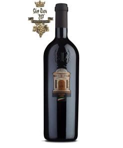 Rượu Vang Ý Đỏ N3 Opera Vinum Italicum có mầu đỏ đậm đẹp mắt. Hương thơm của trái cây mầu đỏ cùng các ghi chú của socola và cam thảo
