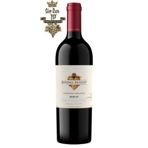 Rượu vang Đỏ Kendall Jackson Vintners Reseve Merlot Sonoma đặc sắc của quả mận, quả nho, quả anh đào đen, quả mọng hoang dã…được hòa quyện với nhau
