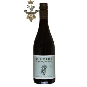 Rượu Vang Đỏ M.Chapoutier Marius Languedoc IGP Red có mầu đỏ tím đậm đặc. Hương thơm mạnh mẽ và phức tạp của quả mọng đỏ