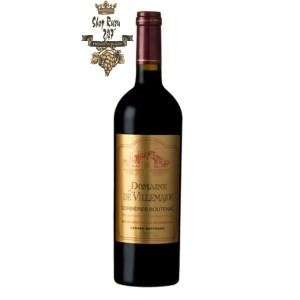 Rượu Vang Đỏ Gerard Bertrand Domaine de Villemajou Minervois la Liviniere có mầu đỏ đậm đẹp mắt. Hương thơm phong phú