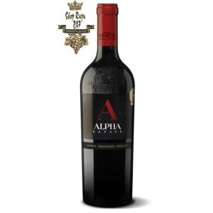 Rươu vang đỏ Hi Lạp Alpha Estate SMX có Màu ruby sâu với gợi ý màu tím. Hương thơm mạnh mẽ, cay nồng của anh đào ngọt ngào
