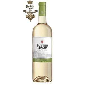 Vang Trắng Mỹ Sutter Home Sauvignon Blanc có mầu đẹp mắt. Hương thơm của dưa hấu tươi, bưởi và hương vị trái cây mềm