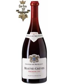 Beaune Greves có mầu đỏ ruby. Hương thơm phức hợp và quyến rũ của các loại trái cây rừng. Hương vị tuyệt vời của các loại trái cây đen