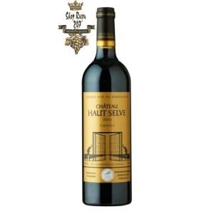 Rượu Vang Pháp Đỏ Chateau Haut Selve Graves là sự pha trộn của 50% Merlot và 50% Cabernet Sauvignon và nó có một hương thơm phức tạp