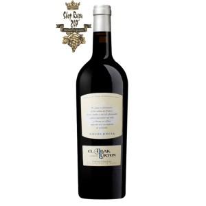 Rượu Vang Tây Ban Nha El Albar Lurton Excelencia có mầu đỏ anh đào đậm sâu. Đây là chai rượu vang chất lượng