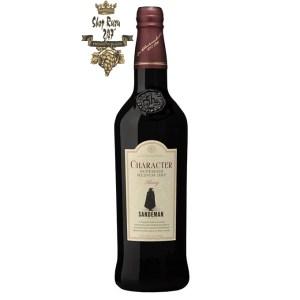 Rượu vang Tây Ban Nha Sandeman Character Sherry DO với Màu vàng trung bình với gợi ý của hổ phách đỏ