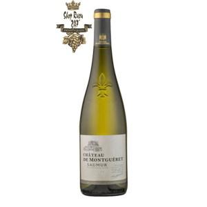 Rượu vang Pháp Château de Montgueret Saumur 2019 mang đến một màu vàng chói tựa pha lê, bung tỏa một làn hương đầy cuồng nhiệt