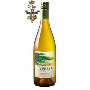 Vang Trắng Mỹ J.Lohr Cypress Vineyards Chardonnay có mầu vàng rơm đẹp mắt. Hương thơm của chanh, đào trắng, cam