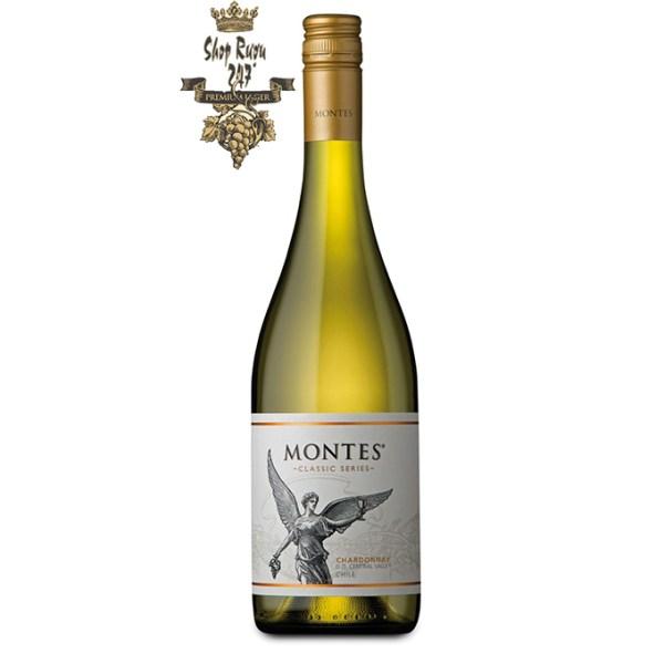 Rượu Vang Trắng Montes Classic Series Chardonnay có mầu vàng rực rỡ. Hương thơm của các loại trái cây nhiệt đới như đu đủ, quả đào