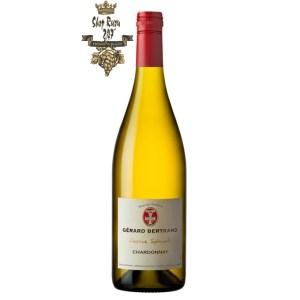 Vang trắng Gerard Bertrand Reserve Speciale Pays d'Oc IGP Chardonnay sở hữu được màu trắng đầy lịch lãm, tinh tế có thể cuốn hút khách hàng từ ánh nhìn đầu tiên