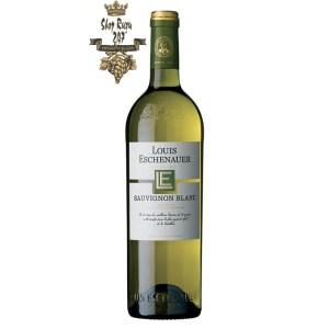 Rượu Vang Trắng Louis Eschenauer Sauvignon Blanc có mầu vàng cùng ánh xanh. Hương thơm của các loại hoa, dứa cùng các loại trái cây kì lạ