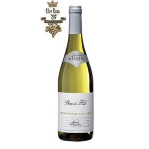 Rượu Vang Pháp Trắng Laurent Miquel Pere Et Fils Chardonnay Viognier có mầu vàng rơm tươi sáng. Loại rượu này được đặc trưng bởi hương thơm
