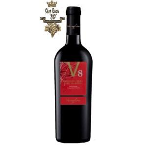Rượu vang Ý V8 có chất rượu đặc sánh, điều này thể hiện ở một thân thể rượu khá đầy đặn và mượt mà khi được rót ra ly.