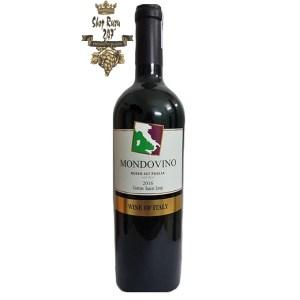 Vang Ý Đỏ Mondovino Rosso IGT có màu đỏ ngọc lựu trong sáng và vô cùng bắt mắt. Rượu mang phong cách thanh lịch