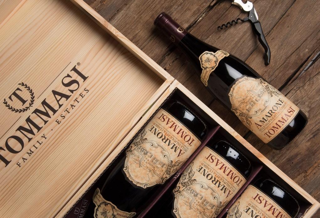 Rượu Vang Ý AMARONE VALPOLICELLA Blend là sản phẩm của nhà sản xuất Tommasi, được kết hợp từ các giống nho bản địa