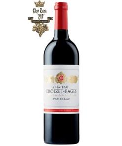 Vang Pháp Château Croizet-Bages Pauillac Grand Cru Classé 2015 có màu đỏ khá tươi sáng và quyến rũ. Trên mũi, chúng thể hiện các hương thơm