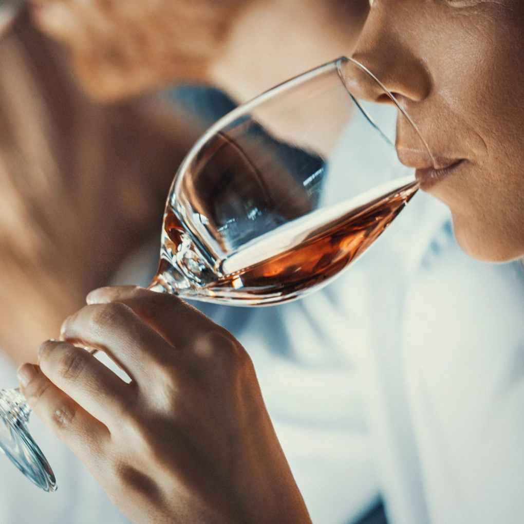 """Một loại rượu """"đã hỏng"""" sẽ không làm bạn nhăn mặt nếu bạn nếm thử nó, nhưng có lẽ không phải là ý kiến hay khi uống nó"""