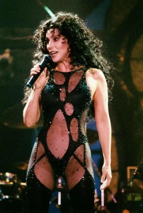 Американская певица и актриса Шер в 1992 году