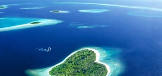 остров в форме сердца Мальдивские острова