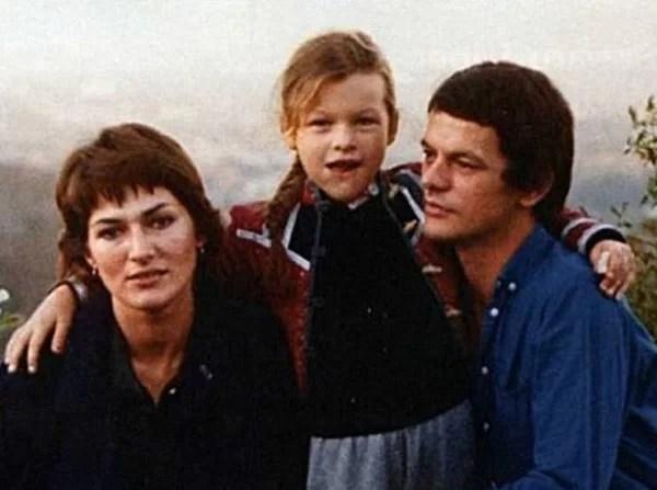 Галина Логинова с мужем и дочерью