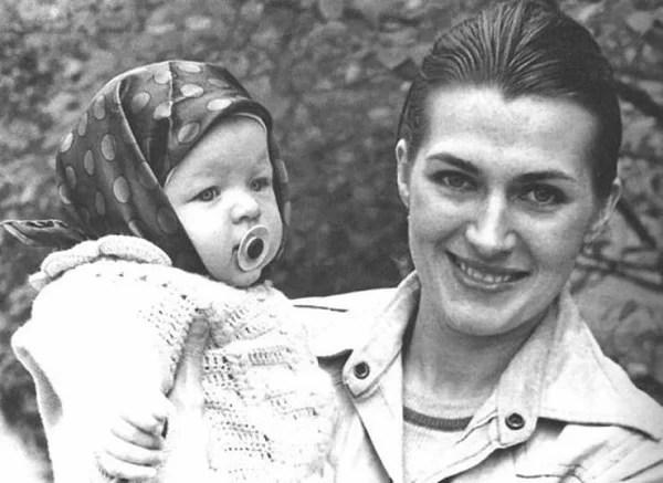 Галина Логинова и с маленькой ещё дочерью