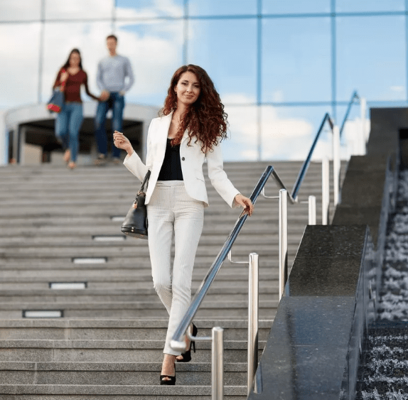 полезно для нашего здоровья - ходить вниз по лестнице