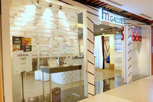 H. M. Gallery Outlet IMM Singapore.